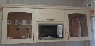 Muebles de cocina sin electrodomésticos.