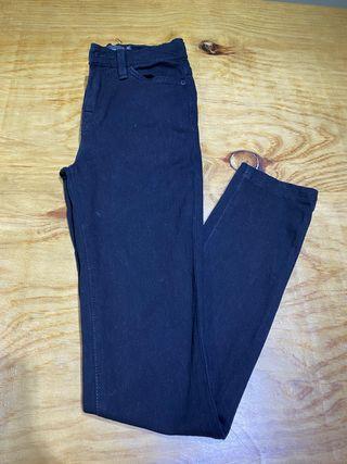 Talla 34, Pantalón negro BDG