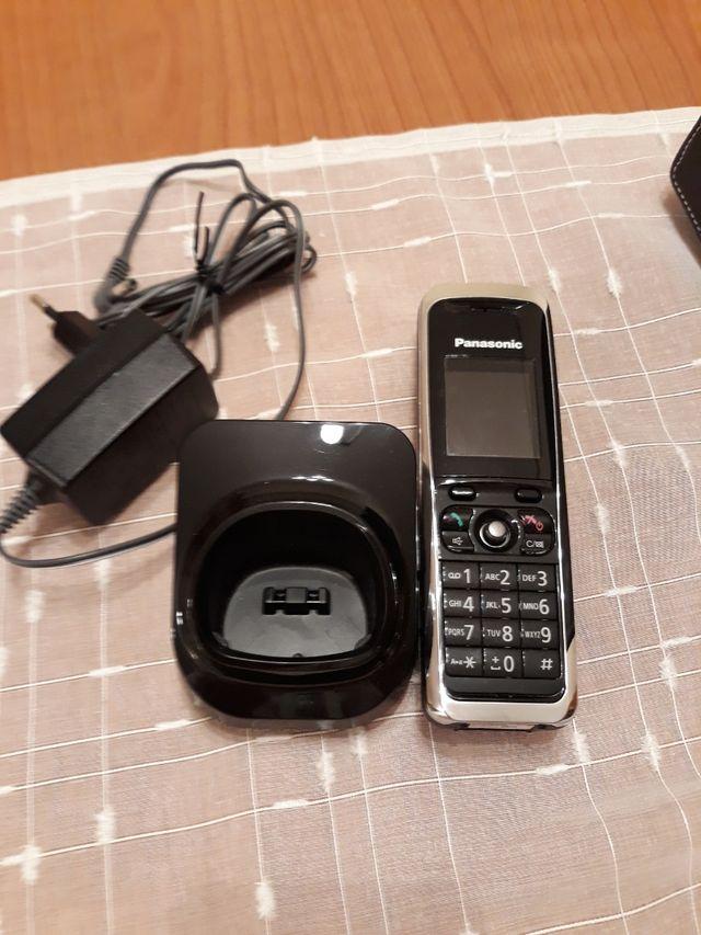 Teléfono móvil Panasonic