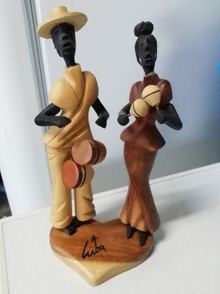 figura de madera pareja Cuba