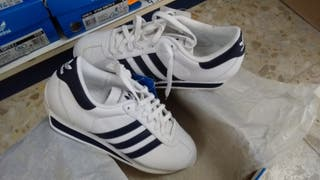 Deportivo Adidas Country nuevo con etiqueta num.43