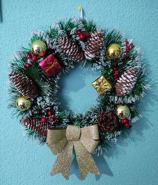 Corona navideña hecha a mano