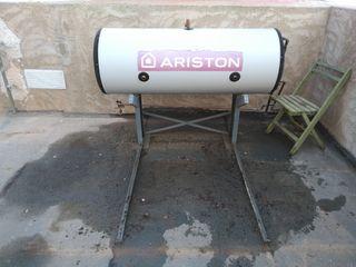 "Depósito""Ariston"" + placa solar + soporte"