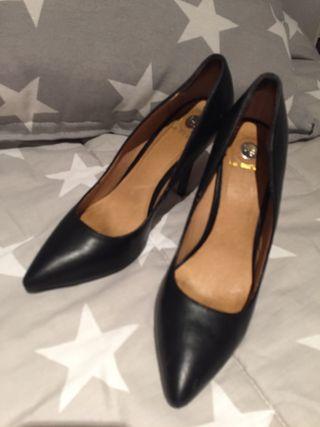Stilettos zapatos calzado. T40