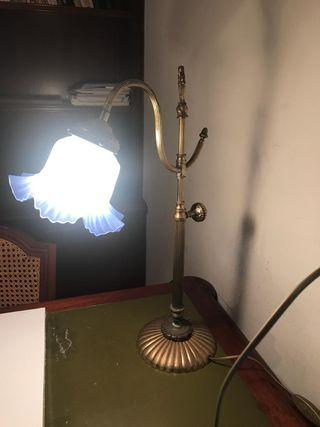 Lámpara tulipa azul de bronce y cristal