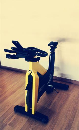 bici estatica ciclo indoor technogym Group Cycle