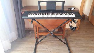 Teclado Yamaha Piaggero NP-11