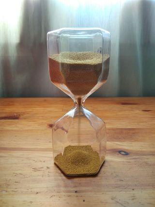 Reloj de arena dorada, ikea