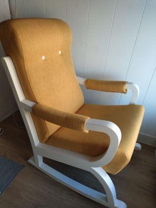 Mecedora, sillón de lactancia prácticamente nuevo
