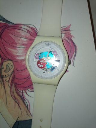 Reloj blanco swatch