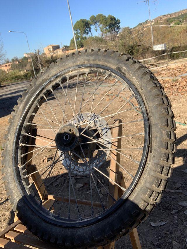 Llanta con neumático nuevo