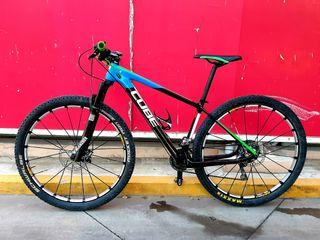 "Bicicleta 29"" CARBONO Cube elite pro"
