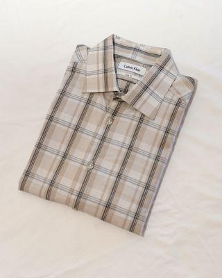 Camisa CALVIN KLEIN. Talla L . 100% Algodon.