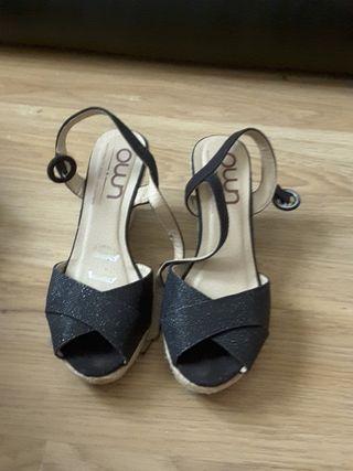 Sandalias de tacon negras