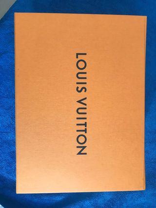 Caja de Louis Vuitton + dustbag