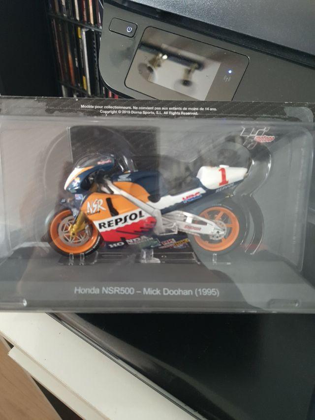 HONDA NSR500 MICK DOOHAN 1995