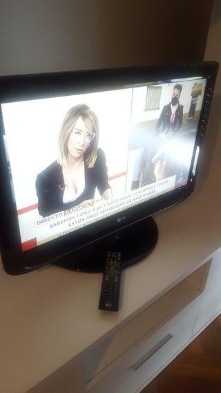 """TV LG 32"""". Modelo Lt75"""