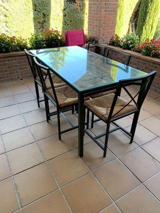 Mesa más sillas de ikea