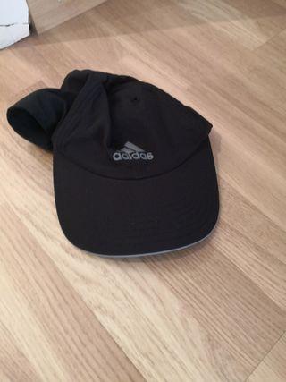 Gorra Adidas negra nueva