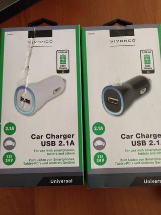 Adaptador mechero coche a toma USB.