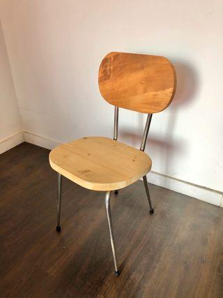 Silla de madera vintage