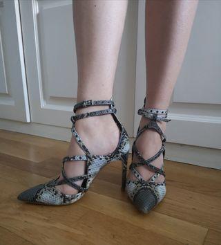 zapatos serpiente de Zara