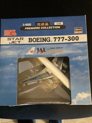 Avion Boeing 777-300 Japonés JAL