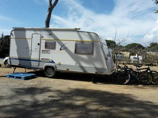 Caravana Burstner City 490 TK 3 ambientes
