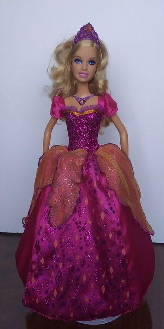 Muñeca Barbie princesa Liana