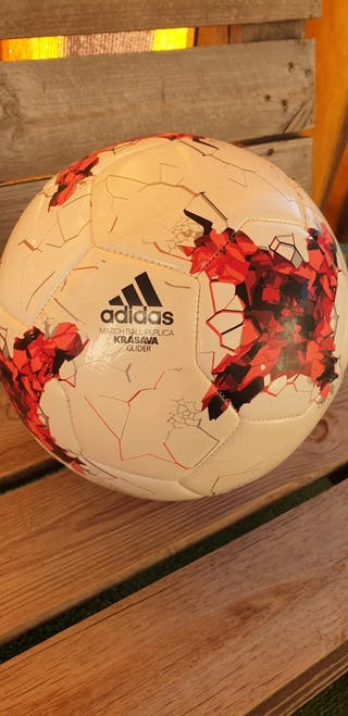 REGALO DE COMUNIÓN. Balon futbol adidas