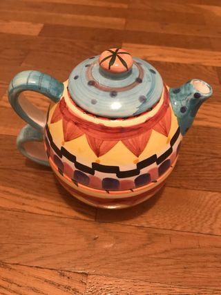 Tetera y taza individual