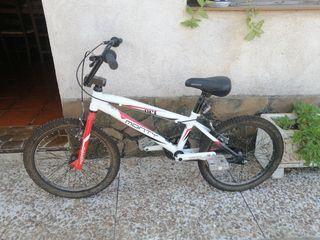 Vendo bicicleta Monty niño o niña.