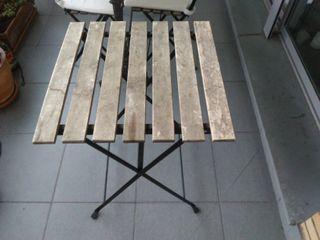Mesa de jardín de madera de teca
