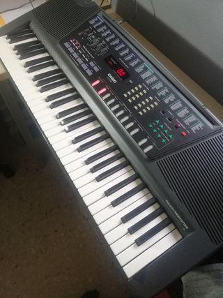 TECLADO/PIANO CASIO CT 770