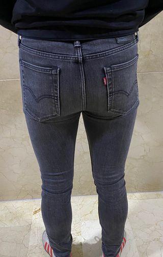 Pantalón Levis vaquero negro