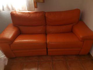 Sofá 3 plazas, dos partes reclinables.
