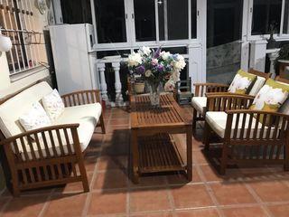 Conjunto de mesa y 3 sillones para jardín.