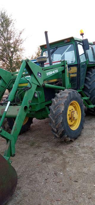 tractor con pala doble tracción John deere