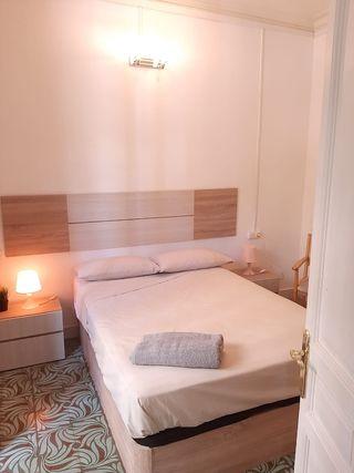 habitación doble con balcón privado