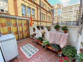 Piso en venta en El Camp de l'Arpa del Clot en Barcelona