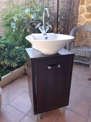 Muebe de baño + lavabo + grifo + espejo