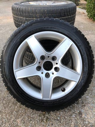 4 llantas con neumáticos de invierno