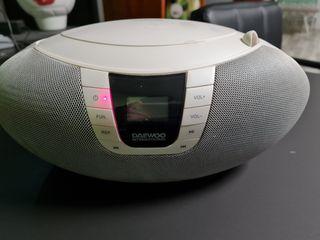 Reproductor MP3 y CD Daewoo blanco
