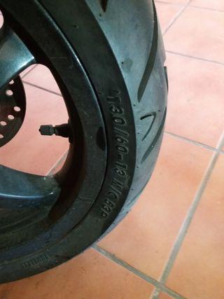 Neumáticos moto scooter