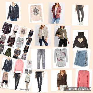 Bolsas llenas de ropa de mujer