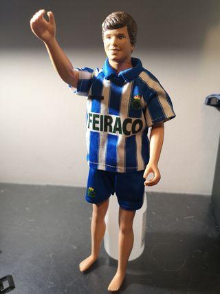 muñeco tipo ken camiseta deportivo a Coruña