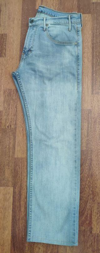 Pantalón Tejanos Levi's talla 32