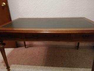 Mesa con tapic de oficina
