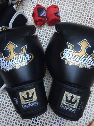 Guantes y protecciones boxeo Muay Thaï