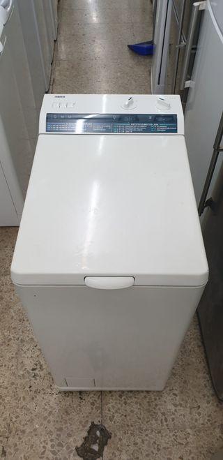 Lavadora marca Zanussi 5kg 1000rpm